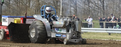 Traktorpulling eller Tractor Pulling